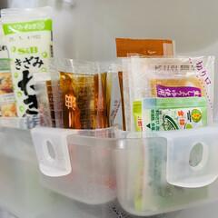 キャンドゥ/ダイソー/セリア/100均/キッチン収納/キッチン雑貨/... 小物収納に便利と話題の【冷蔵庫ミニポケッ…(3枚目)