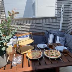 サービングトレイ/IKEA/ベランピング/バルコニー/ピザ/stayhome/... 完成したピザはバルコニーで!日陰は涼しく…