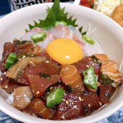 グルメ/美味しいもの/おうちごはん/夕食/海鮮漬け丼/丼/... 海鮮漬け丼 めっちゃ美味しかった🤤   …