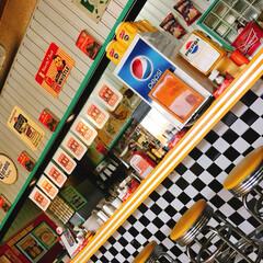 岐阜県/バーガー屋さん/はじめてフォト投稿 岐阜のハンバーガー屋さん。どこ見てもアメ…