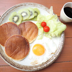 morning/朝ごはん/朝食/ワンプレート/おうちごはん/おうちカフェ/... いつかの朝食。 米粉パンケーキのワンプレ…