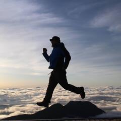 山登り/雲海/空のお散歩/おでかけワンショット 空のお散歩  山登りってめちゃめちゃきつ…