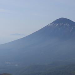 山登り/絶景/景色/登山/至福のひととき/おでかけワンショット 山の頂きから景色を頂く。 日本百名山の岩…