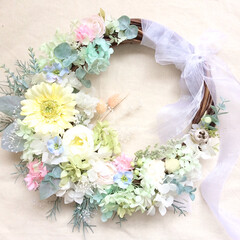 ウェディング/花嫁/引越し祝い/結婚祝い/花/ウェディングアイテム/... おはようございます😃 . 今朝のリースブ…