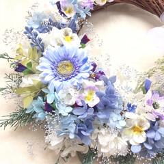 新築祝い/結婚祝い/引越し祝い/ウェディングアイテム/プレ花嫁/花嫁/... こちらは大きめのリースブーケ💐 . 結婚…