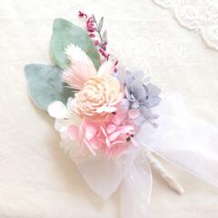 ウェディングアイテム/結婚式/ウェディング/花嫁/リースブーケ/ウェディングブーケ/... 小さなブーケ。 ブートニア🌷💕