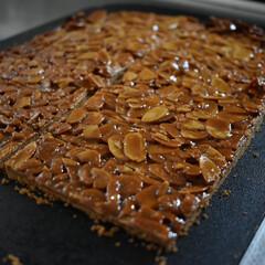 フロランタン/お菓子作り/手作りお菓子 フロランタン   フロランタンは少し手間…(1枚目)