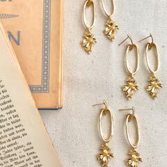 ミンネで販売中/minneにて販売中/minne/フラワー/ママさんコーデ/プチプラファッション/... ゴールドのデザインパーツが存在感・高級感…