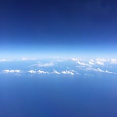 空/雲/青空/わたしのお気に入り 飛行機から見えた宇宙と空の境界線(1枚目)