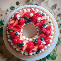 happybirthday/birthdaycake/バースデーケーキ/いちごタルト/タルト/お菓子作り/... ムスメのBirthdayにいちごタルト作…