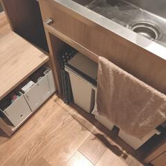 アスベル 分別・連結できる おしゃれなカラーふたのダストボックス 分別ゴミ箱 3個組 キャスター付き | アスベル(風呂ふた)を使ったクチコミ「シンク横のワゴンには水回りで 使うモノを…」