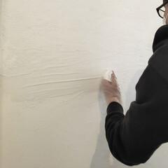 ユニオンツール 超硬エンドミル テーパ φ4×片角 2° CCTE40404(散水ホース、リール)を使ったクチコミ「漆喰塗り初挑戦✨ 湿気が溜まりやすかった…」