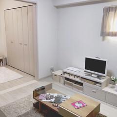 賃貸インテリア/ひとり暮らし/リビング/一人暮らし 寝室ラグをホワイトに変えたら前より明るく…