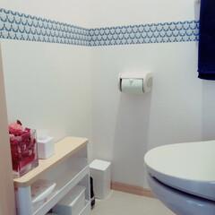 ダマスク柄/はじめてフォト投稿/トイレ/住まい/100均/ダイソー 賃貸のアパートは狭くて地味なので壁用のマ…