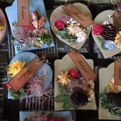 アロマワックスサシェ/アロマワックスバー/キャンドゥ/DIY/雑貨/ハンドメイド/... ワックスバー.サシェ ✨ . お花のクレ…