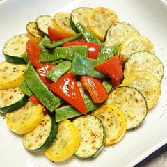 ズッキーニ/モロッコいんげん/野菜レシピ/野菜料理/パプリカ/焼くだけ/... 【💞ズッキーニのガーリックソテー💞】  …