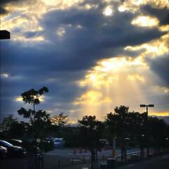 光芒/雲/わたしのお気に入り/おでかけワンショット/令和のワンショット/令和元年フォト投稿キャンペーン/... 光芒のシャワー