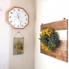 ミモザのリース/花のある暮らし/花のある生活/ハンドメイド/雑貨 リビングに先日作ったミモザのリースを飾り…