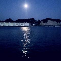 令和の一枚/ブルー/月明かり/空/海/癒しの世界/... 空と海が月明かりに お化粧されてるように…