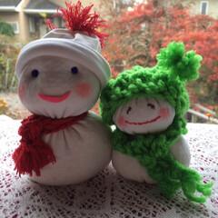 クリスマスインテリア/雪だるま/靴下リメイク/子供部屋/トイレ/玄関/... 白のハイソックスをリメイクして 雪だるま…(1枚目)