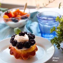 休日スタイル/フルーツヨーグルト/手作りパン/ブリオッシュ/令和の一枚/フォロー大歓迎/... 自家製ブリオッシュに カスタードクリーム…