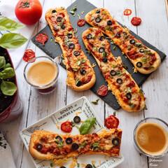 おうちカフェ/手作りピザ/手作りパン/令和の一枚/フォロー大歓迎/LIMIAファンクラブ/... 夏野菜ピザ🍕作りました🍕 全粒粉入りの生…