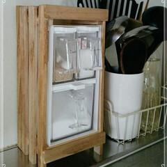 DIY/100均/ダイソー/インテリア/住まい/キッチン/... すのこの端材と色々端材で調味料いれるやつ…(1枚目)