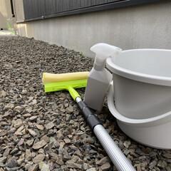 吹き抜け窓掃除/吹き抜け/吹き抜け窓/ウタマロクリーナー/ウタマロ/窓掃除 吹き抜け窓に使う洗剤はウタマロのみ。 水…