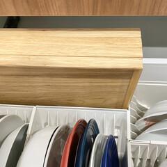 「トトノ引出用ディッシュスタンドL」 皿立て ディッシュラック 食器 収納 整理 シンク下 食器棚 キッチンストッカー リッチェル   リッチェル(食器スタンド)を使ったクチコミ「カップボード収納  カップボードのお皿の…」
