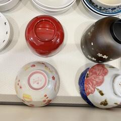 食器棚シート/食器棚/カップボード/カップボード収納/キッチン収納/キッチン雑貨 カップボードの中はニトリで購入したすべり…