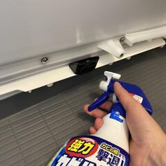 カビキラー本体+替え ペアパック / カビキラー | カビキラー(浴室洗剤)を使ったクチコミ「浴室のエプロン掃除をしていたら細かい汚れ…」