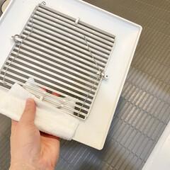 スコッティ ファイン 洗って使える ペーパータオル 61カット 1ロール(キッチンペーパータオル)を使ったクチコミ「換気扇カバーは水拭きをして、しっかり乾か…」