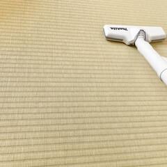 マキタ 10.8V充電式クリーナー CL107FDZW | マキタ(掃除機)を使ったクチコミ「たたみは掃除機も雑巾もたたみの目にそって…」