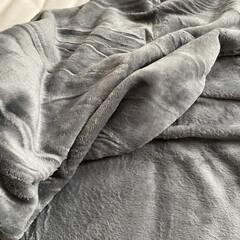 低反発敷布団 シングル (プレミアフィット 2) | ニトリ(敷き布団)を使ったクチコミ「少しずつ寝室も冬支度。  少しあたたかい…」(2枚目)