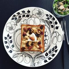 おうちご飯/はちみつ/蜂蜜/ナッツ/朝ごパン/朝ごはん/... デニッシュ食パン   カマンベール+ナッ…