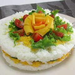 食事情 ごはん好きのわが家のケーキです。 ライス…