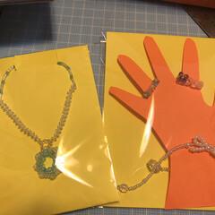 腕輪/キラキラ/アクセサリー/子ども/ペンダントトップ/指輪/... 手作りビーズアクセサリー。 去年の幼稚園…(1枚目)