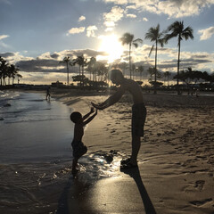 シルエット/親子/海/LIMIAおでかけ部/おでかけワンショット 主人と息子のシルエット撮影。