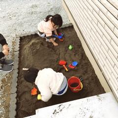 子供のいる暮らし/こどもがすくすく育つ家造り/お砂場/庭/砂場/砂場DIY 庭に砂場を作りました♪公園に行かなくてい…