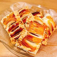 手作りスイーツ/お菓子/デザート/アップルパイ/りんご/スイーツ/... 簡単アップルパイ!(1枚目)