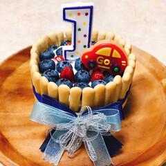 ピジョン 1才からのレンジでケーキセット | ピジョン(赤ちゃん用お菓子)を使ったクチコミ「息子の1歳の誕生日の手作りケーキ🎂いちご…」(1枚目)