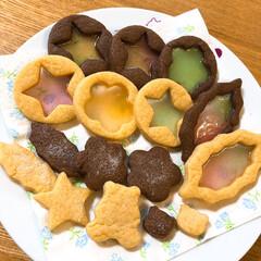 巣ごもり/手作り/ステンドグラス風クッキー/お好み焼き 巣ごもり中の子ども達。 昨日は娘がステン…