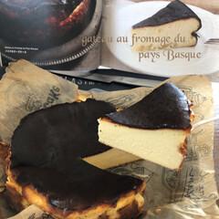 美味しい/バスクのチーズケーキ/手作りケーキ/手作りおやつ/令和の一枚/フォロー大歓迎/... アトリエタタンの バスクのチーズケーキ✨…(1枚目)