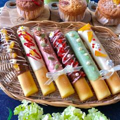 チュロス/スティックケーキ/お菓子作り/yummy/Homemade/令和の一枚/... スティックケーキと チュロス💖可愛く出来…(1枚目)