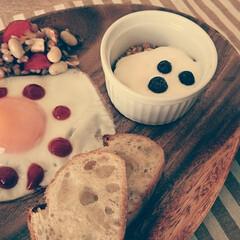 朝ごはん/今日の献立 今日の朝ごはん。  朝はトースターで済ま…