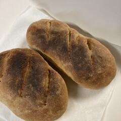 絵本からうまれたおいしいレシピ参照/モチモチ/食べ応えバッチリ/全粒粉入り/ハードパン/絵本のお菓子/... この前はハイジの白パン なので、今日はハ…