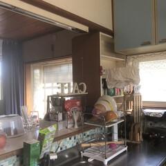 タッパー収納/タッパー/収納/ラップ/キッチン収納/キッチン雑貨/... こんにちは 我が家のキッチンです お家を…(4枚目)