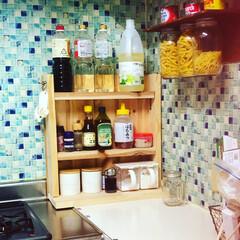 ジャストサイズ/調味料ラック/limiaキッチン同好会/新生活/セリア/100均/... キッチンのお気に入りは、この手作りラック…