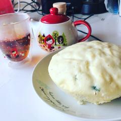 甘すぎずに美味しい/サッパリしてます/カモミールとレモンバーム/ハーブティー/ブレンドティー/レモンバーム/... 昨日大量に頂いたレモンバームで蒸しパンを…