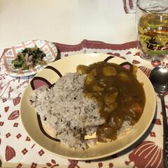 スイッチオン/明日からまたがんばろ/1週間頑張った/小松菜とツナのお浸し/副菜/カレーライス/... 今日の夕飯です 久しぶりのカレー🍛 私は…